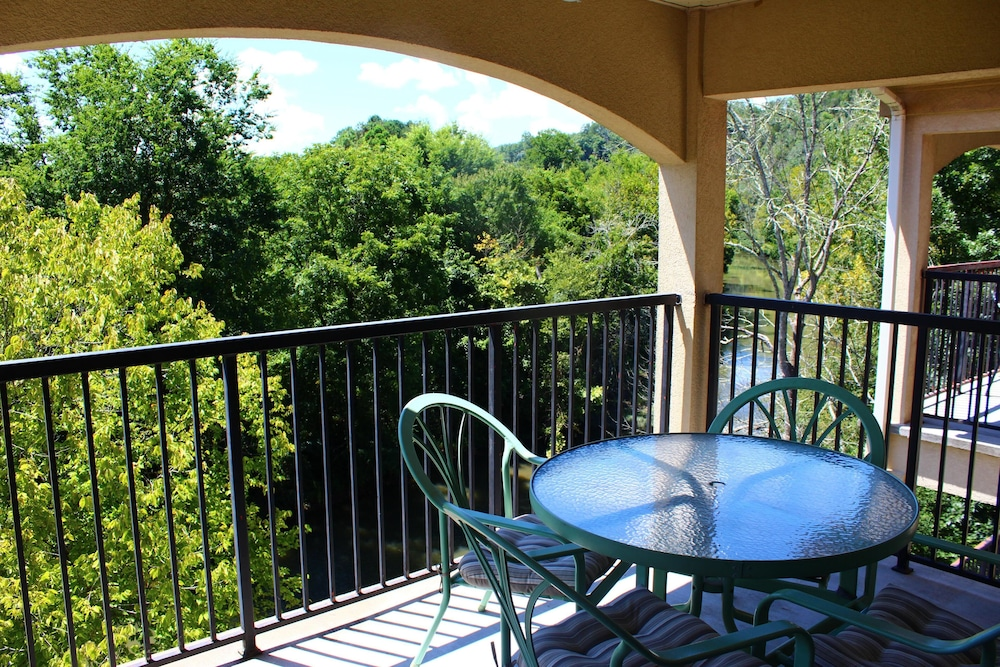 At Rivers Edge - 2 Br Condo
