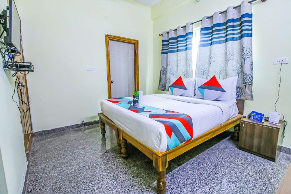 FabHotel Sree Sai Suites