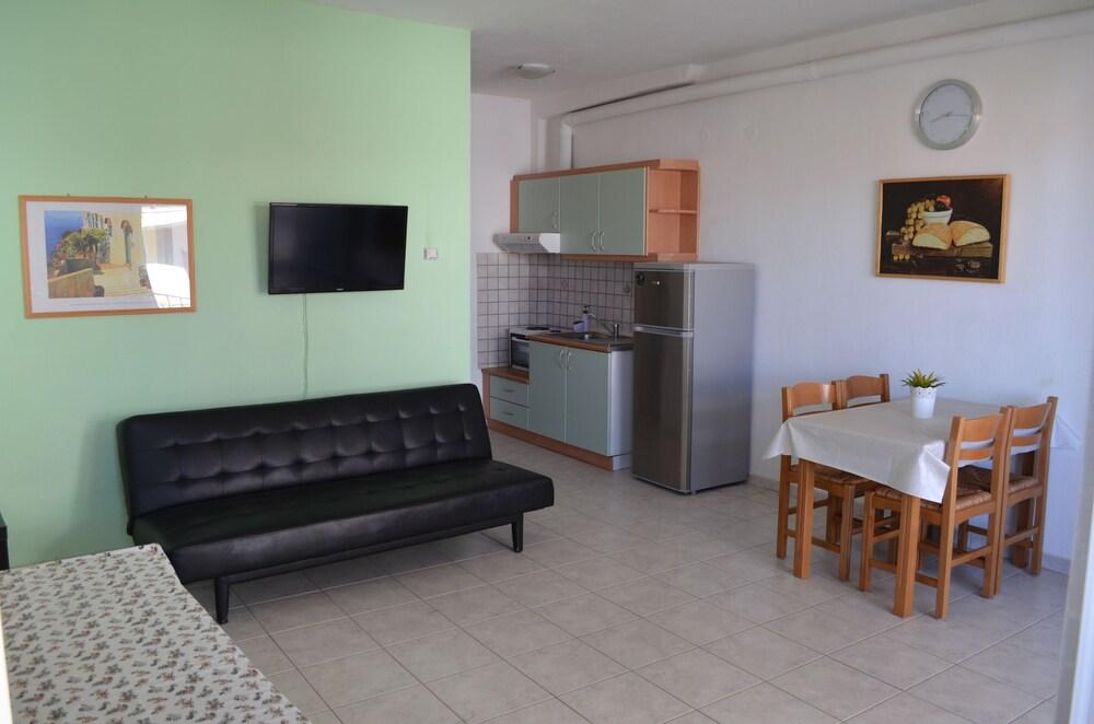 Ariana Apartments