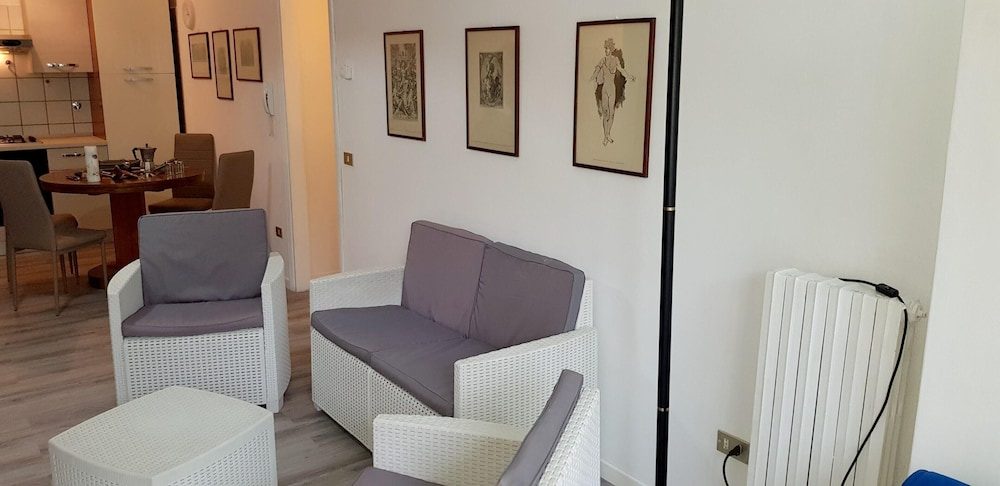 Apartment With 2 Bedrooms in Riccione, With Balcony - 200 m From the B