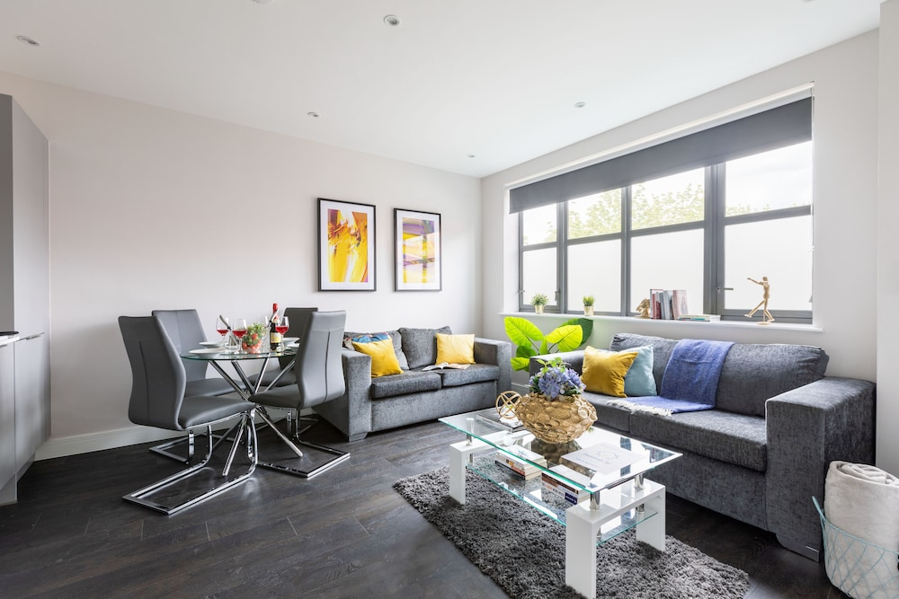Home.ly - Watford Premier Apartments