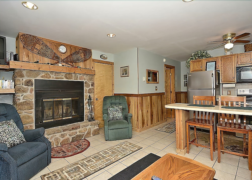 Time Out - Northwoods F2 - 1 Br Condo