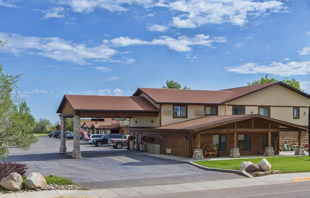 Homestead Inn and Suites