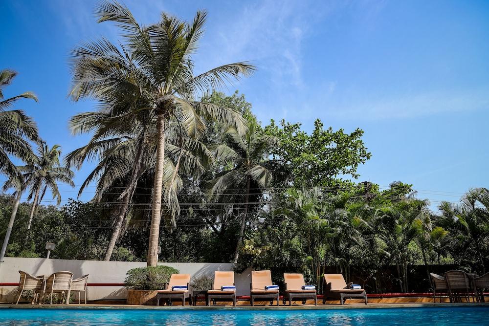 Amor Beach Resort