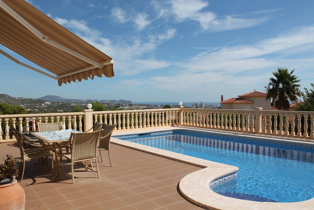 Villa With 4 Bedrooms in Calp, With Wonderful sea View, Private Pool a