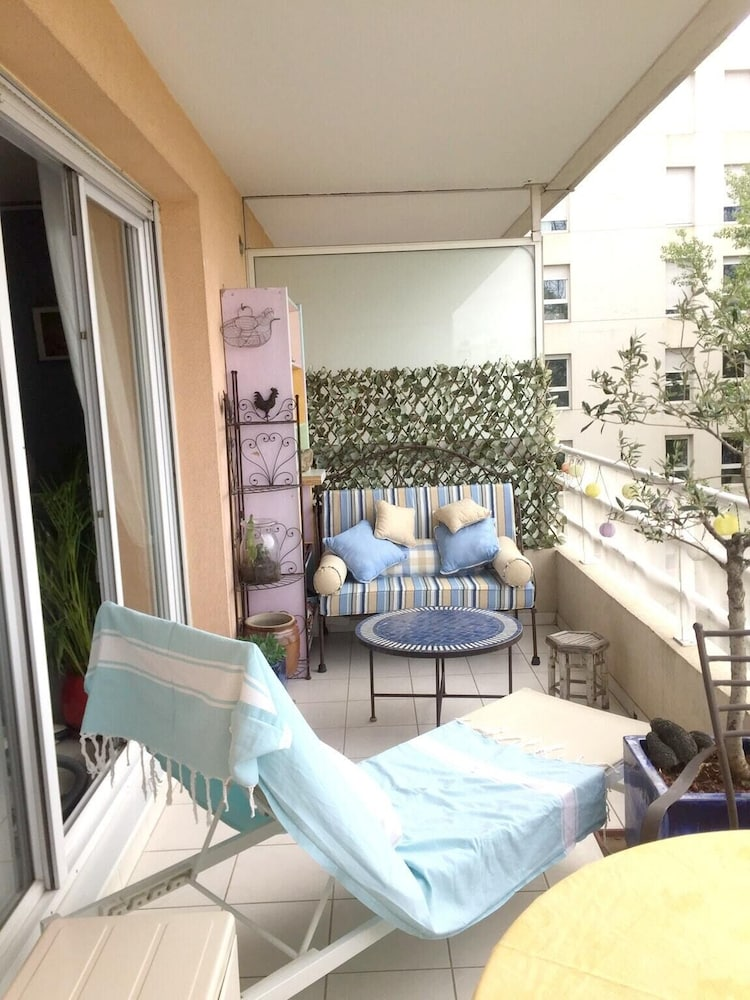 Apartment With one Bedroom in Aix-en-provence, With Wonderful City Vie
