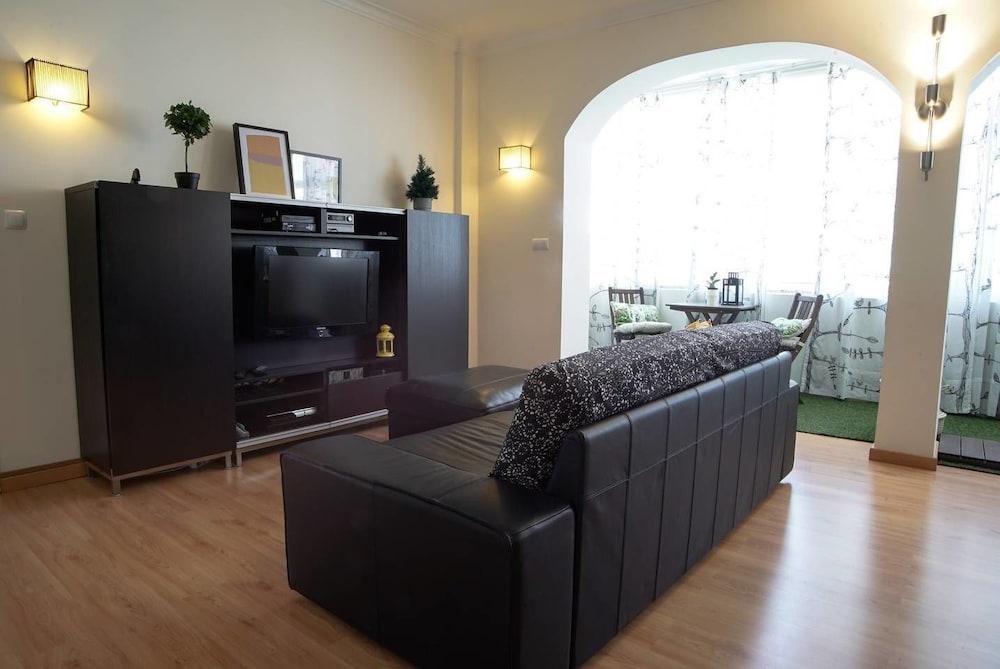 Spacious Apartment Close to Golf Course in Lisbon
