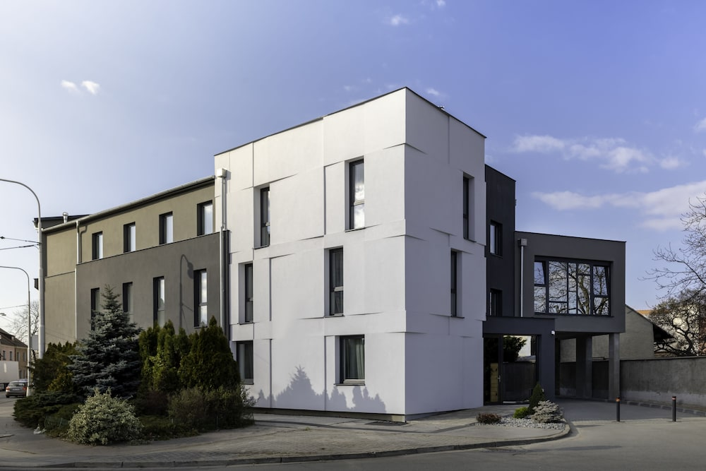 4 SMART HOTEL