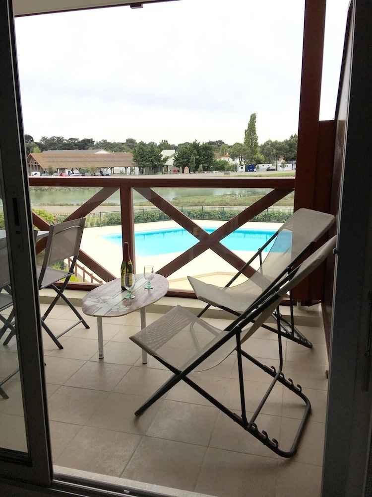 Apartment With one Bedroom in Guérande, With Wonderful sea View, Pool