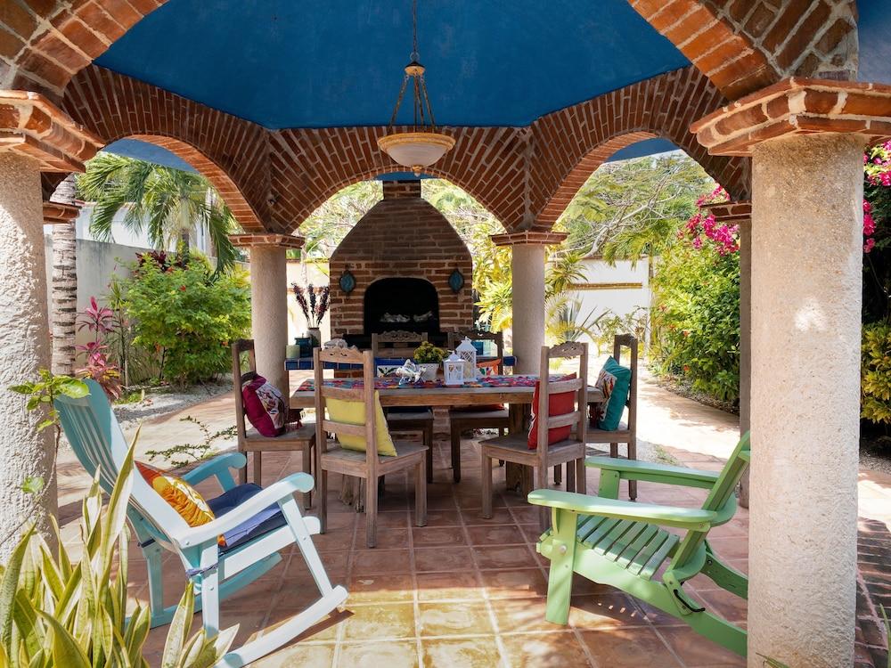 Large Villa,Lagoon View,close to Beach,12 guests