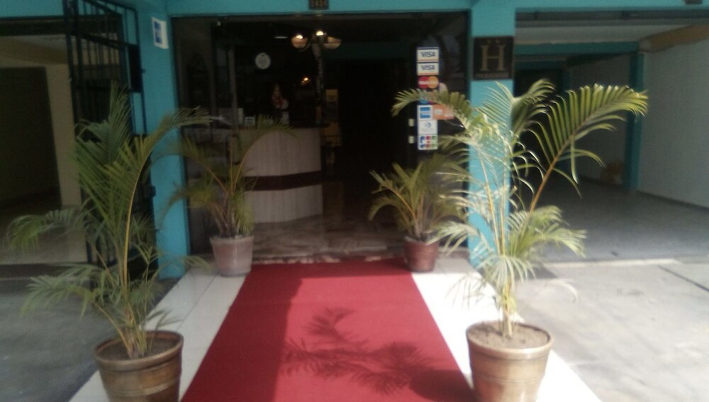 Paradise Hotel Benavides