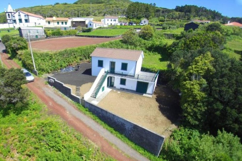House With 2 Bedrooms in Horta, With Wonderful sea View, Enclosed Gard