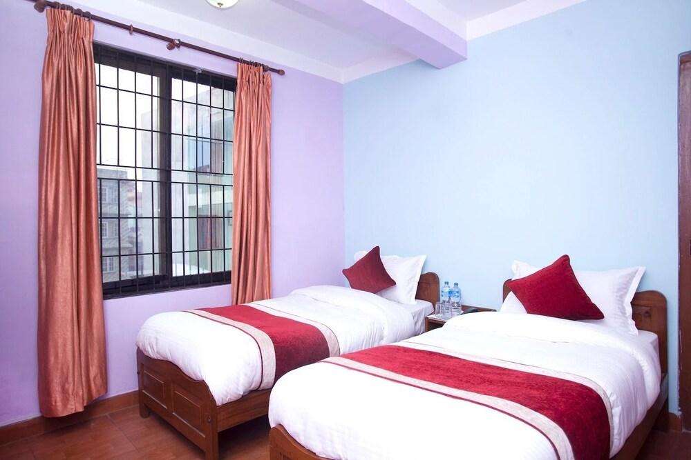OYO 356 Hotel Allied