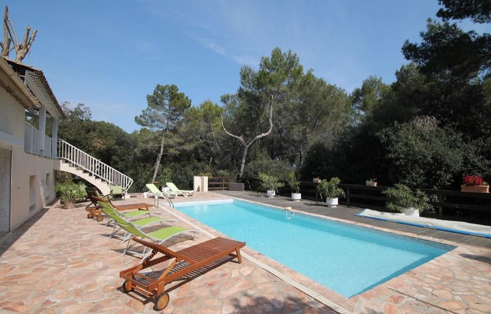 Villa With 5 Bedrooms in Antibes, With Private Pool and Enclosed Garde