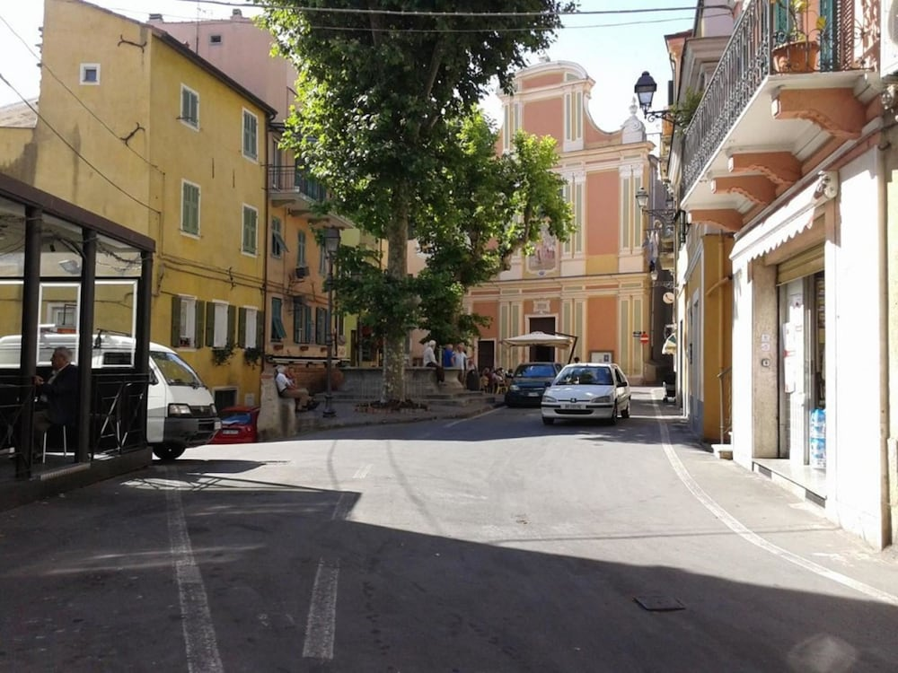 Apartment With 2 Bedrooms in Sanremo, With Balcony - 3 km From the Bea