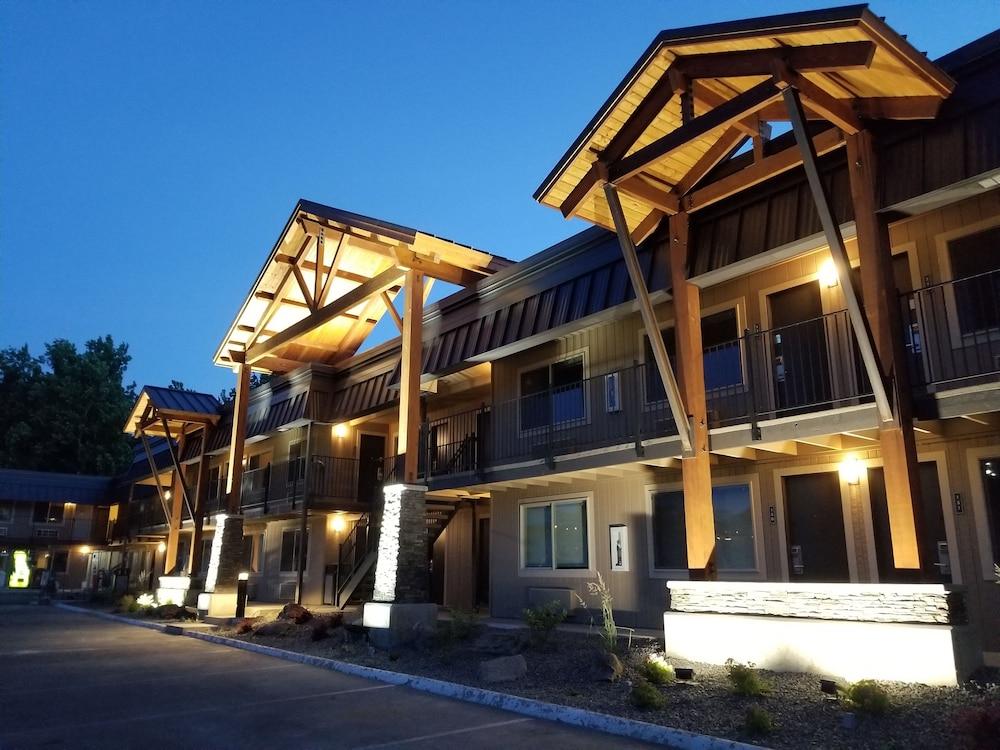 The Hotel Y
