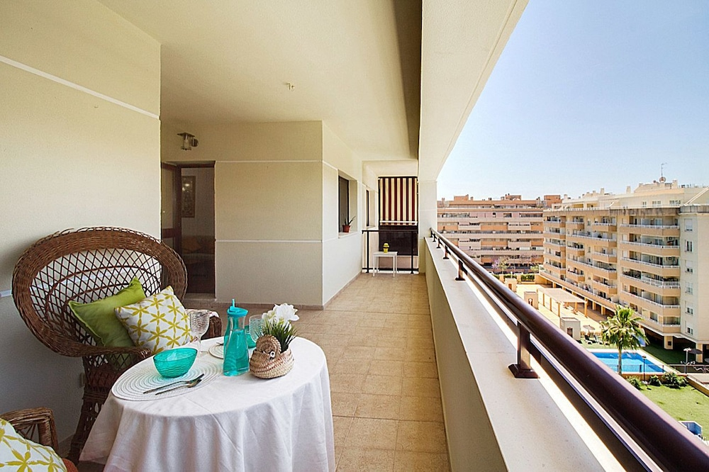 Apartment in Málaga with pool & parking