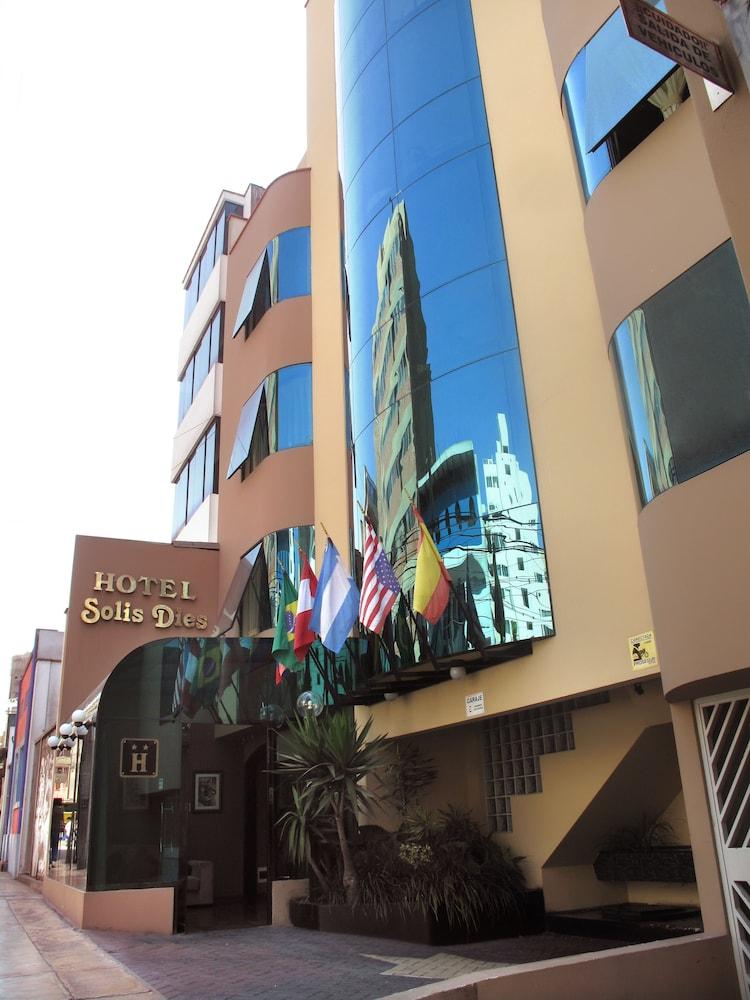 Hotel Solís Dies
