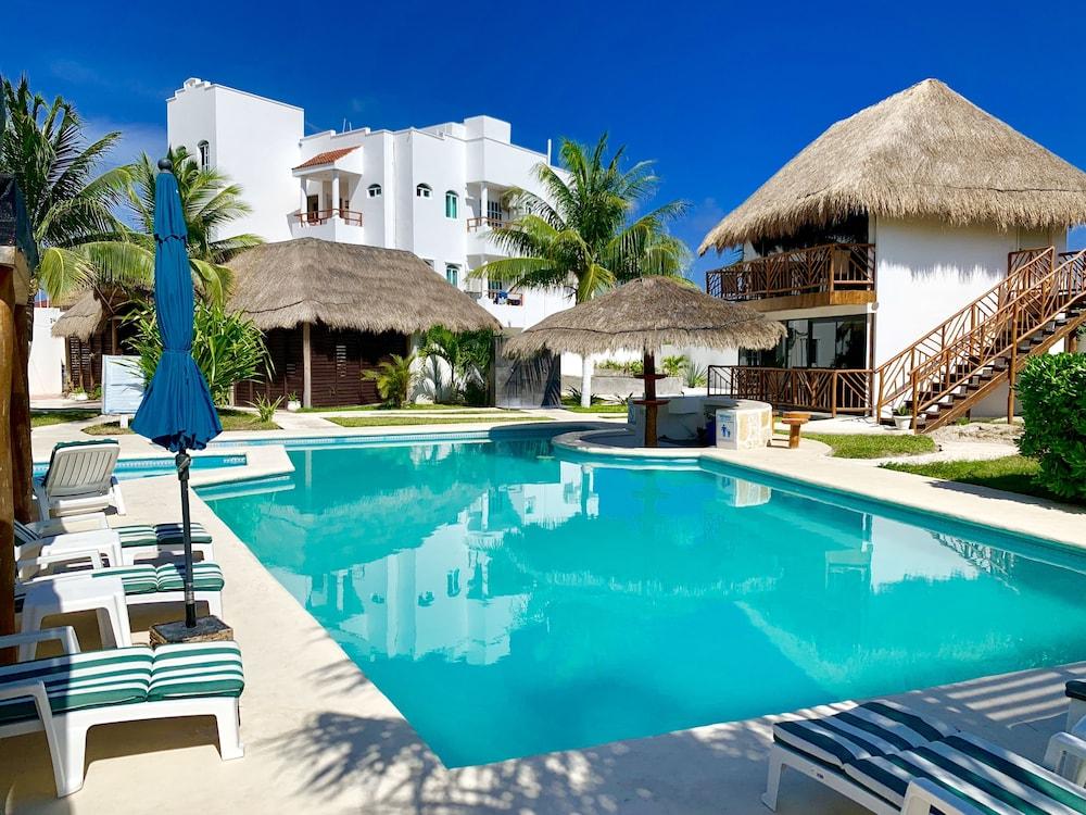 TAFFEIT Beach Hotel