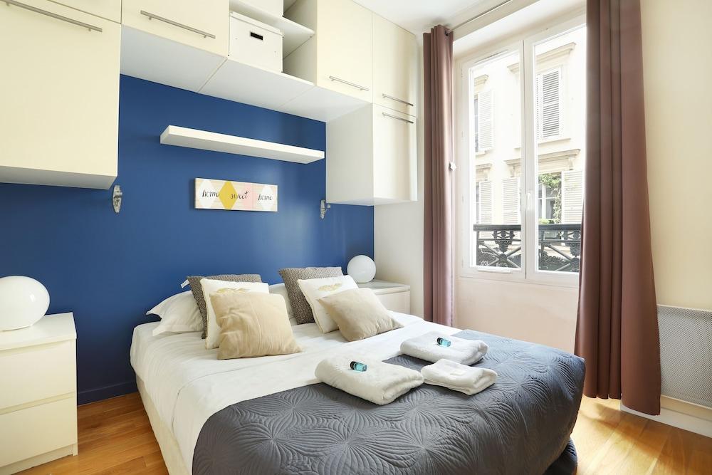 Pick A Flat's Place de Clichy