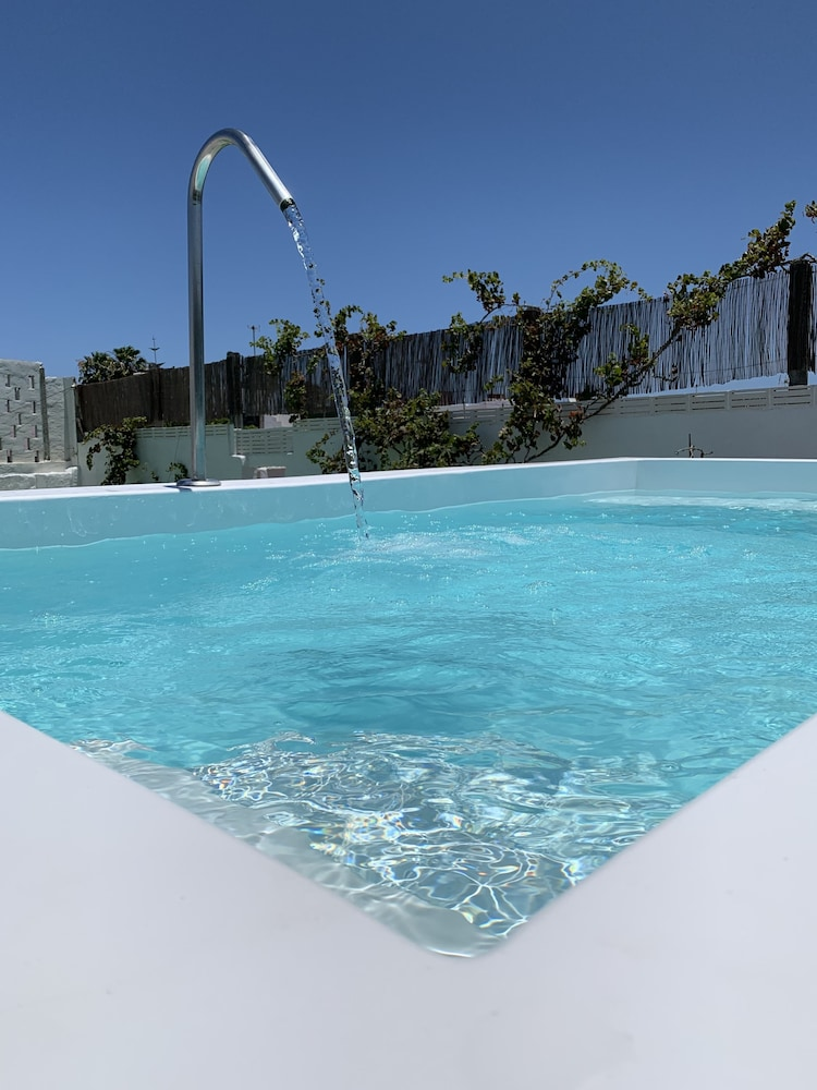 Valtisya House Pool & Airport