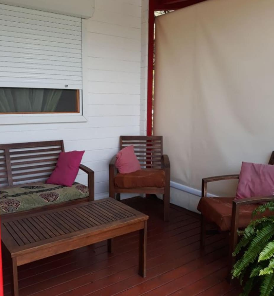 Bungalow With 2 Bedrooms in Saint-françois, With Pool Access, Enclosed