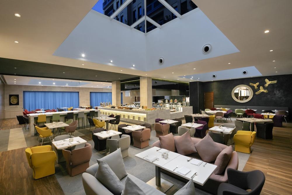 Hyatt Place Dubai Residences Wasl Dist