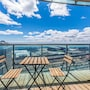 New! Panoramic Lakeview in a Luxury Downtown Oasis photo 4/34