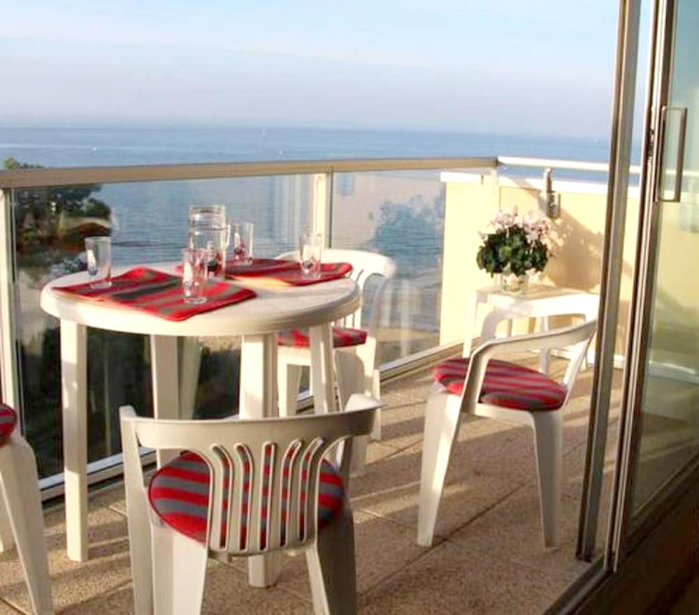 Apartment With one Bedroom in Arcachon, With Wonderful sea View and Ba