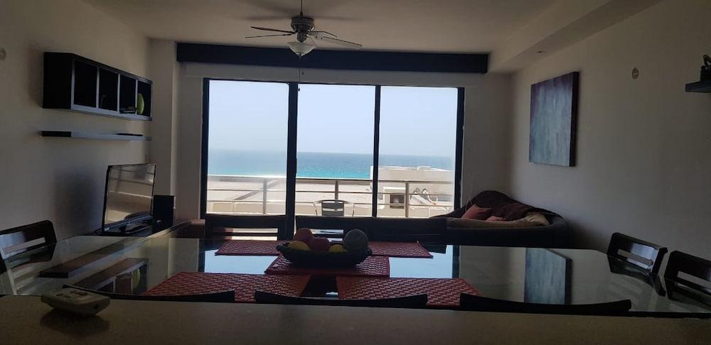 Nice 3 Bedroom Apartment Ocean View