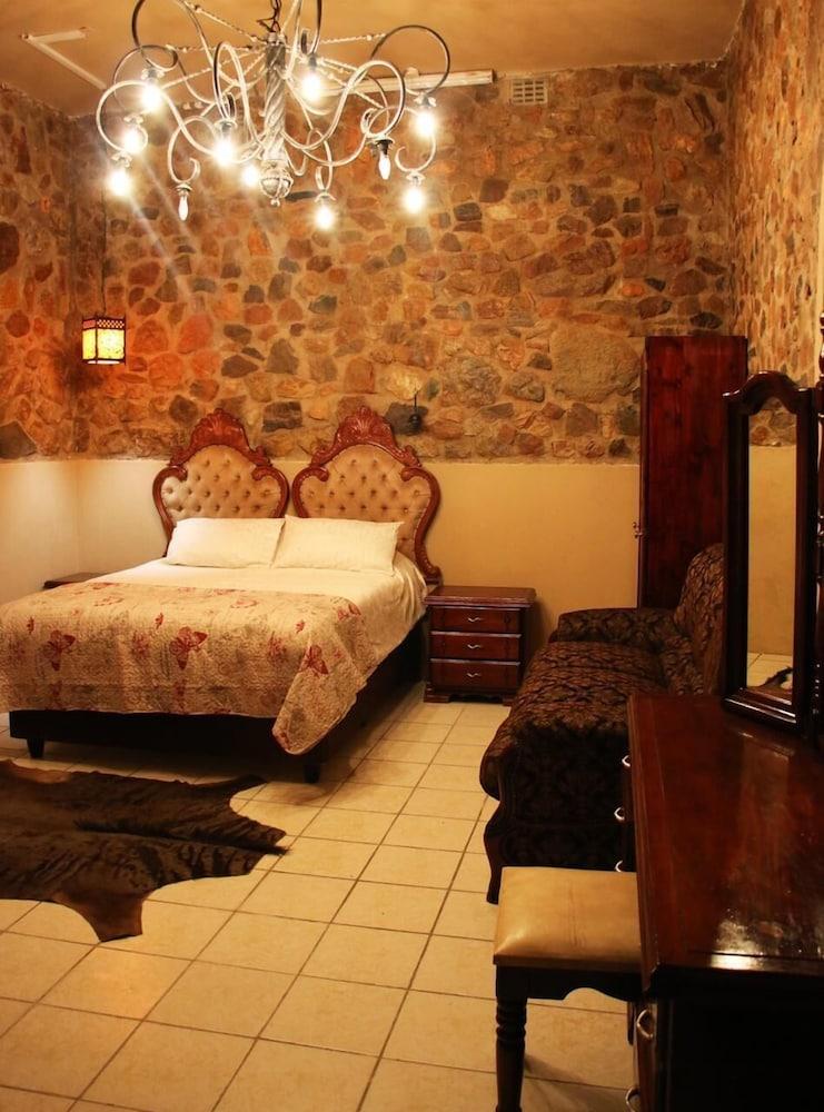Kruger Castle Guest House