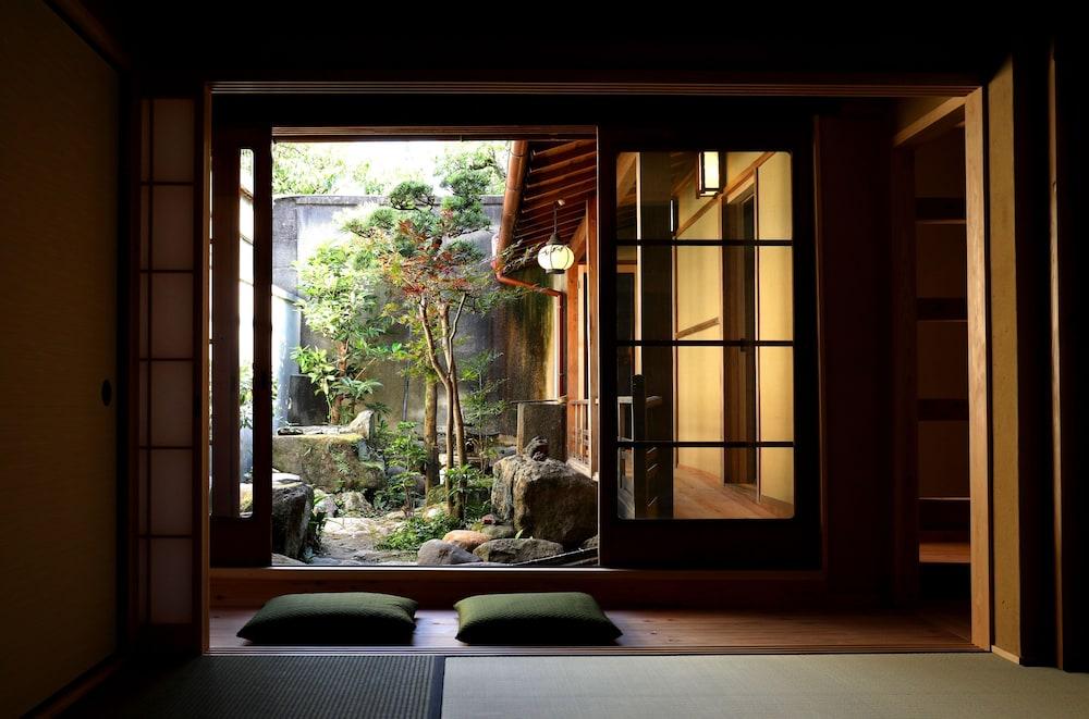 Traditional Japanese Apartment TONARI