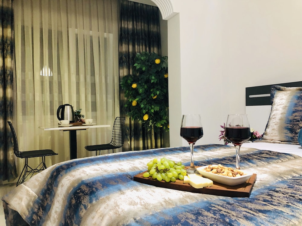 Istanbul Hotel & Suites