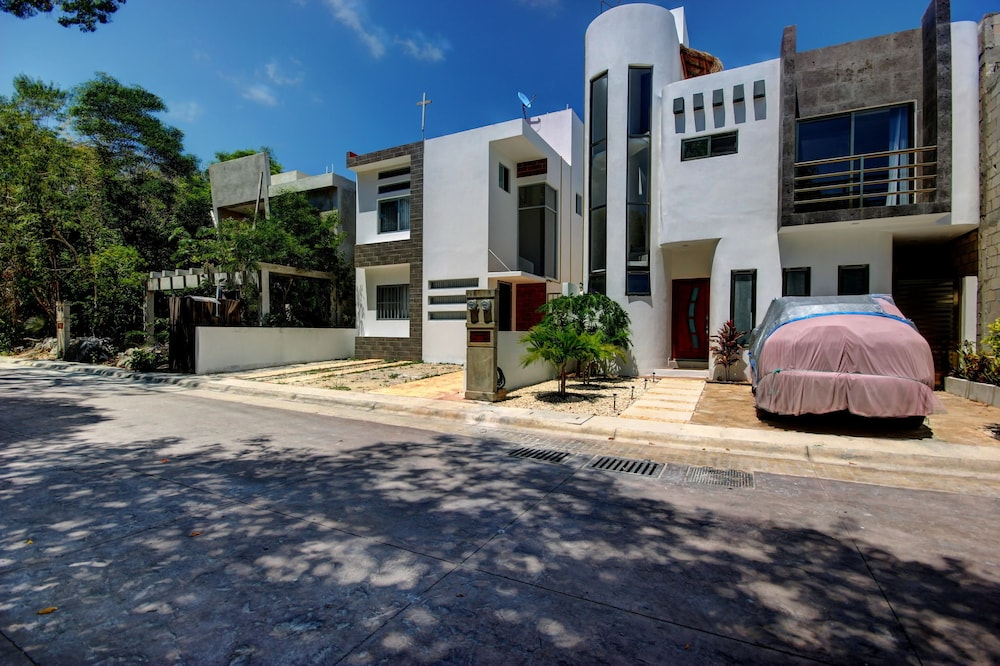 Casa Mally - 3 Bedroom Townhouse