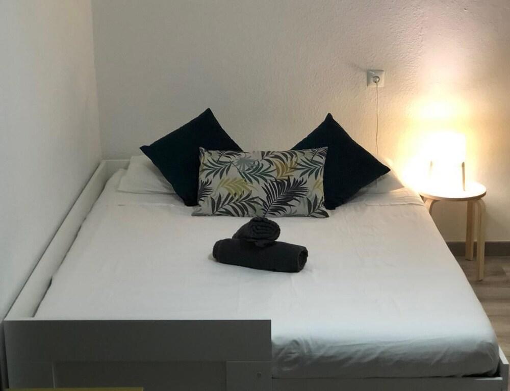 Rooms & Apartments Alicante