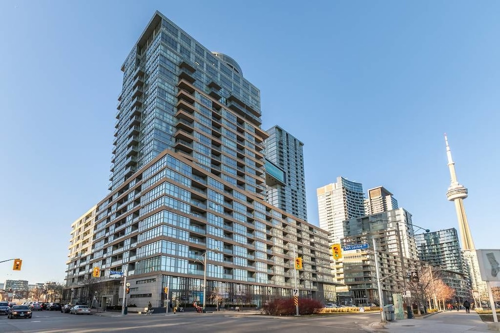 Gorgeous Luxury Condos near the CN Tower