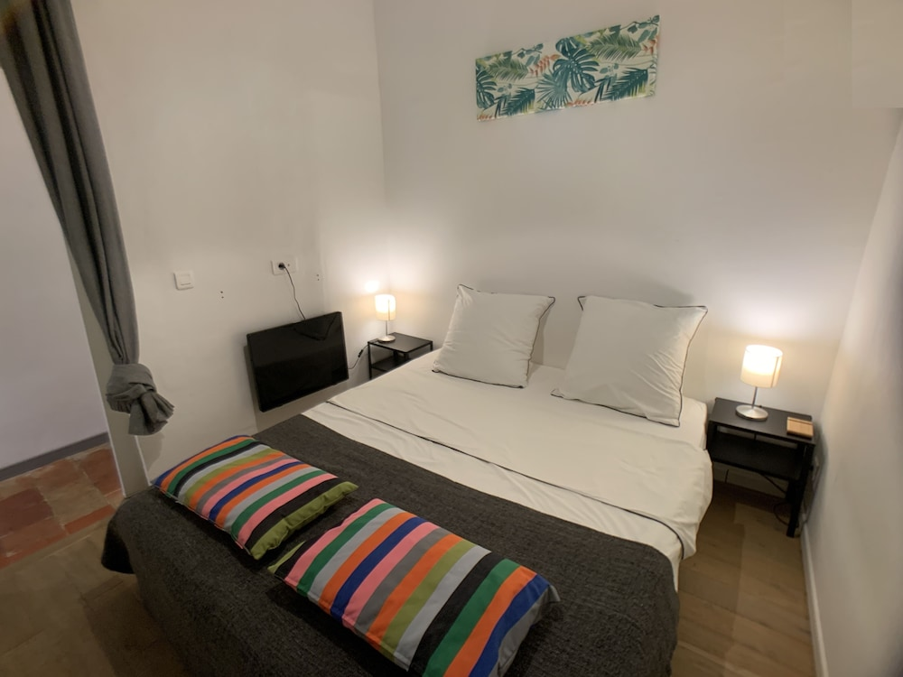 HomePlaceStay Saint Sauveur Parking Free
