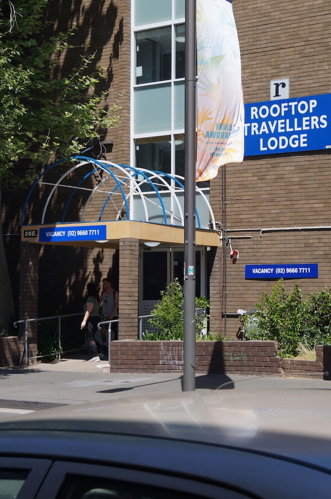 Rooftop Travellers lodge