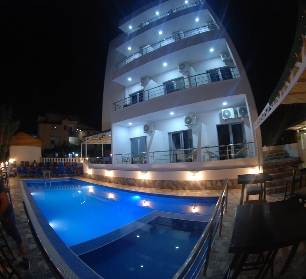 Hotel Piramida