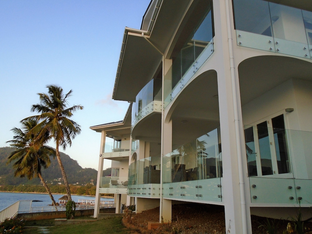 VallonEnd Beach Front Villa