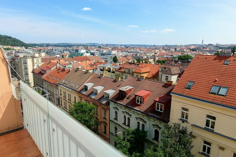 Lovely apartment in Smichov with amazing view