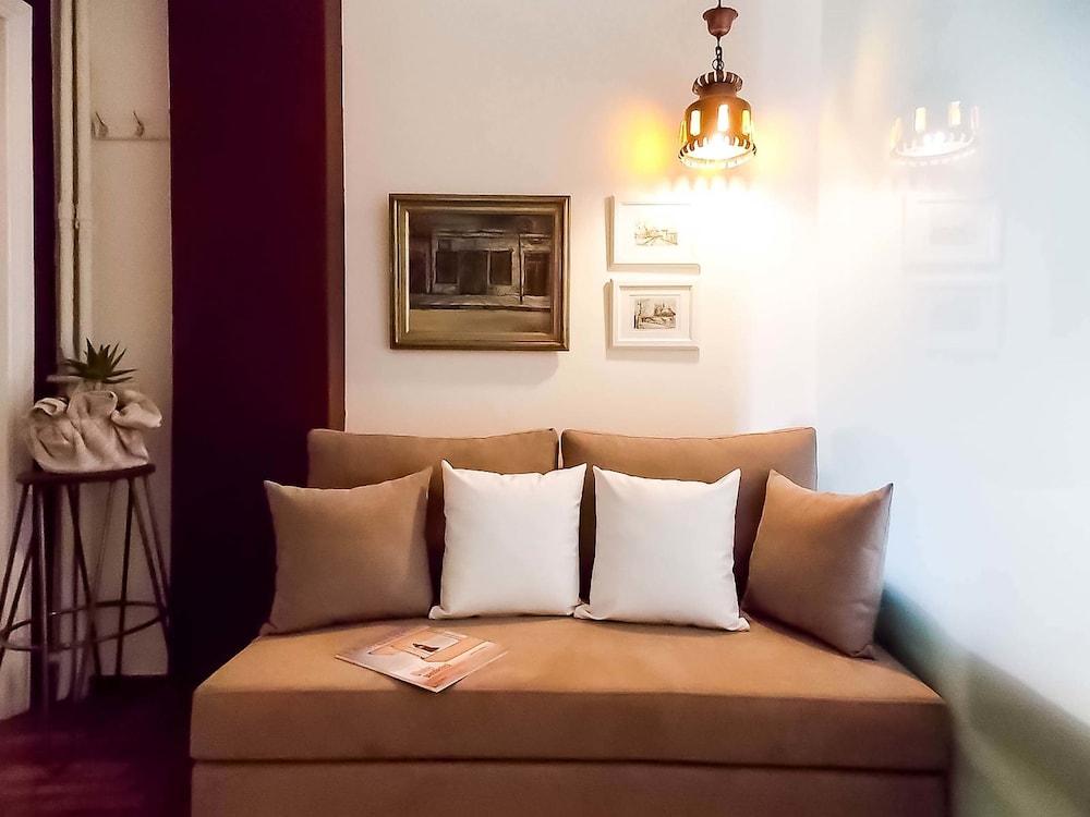 Salaminos-Cozy studio apartment