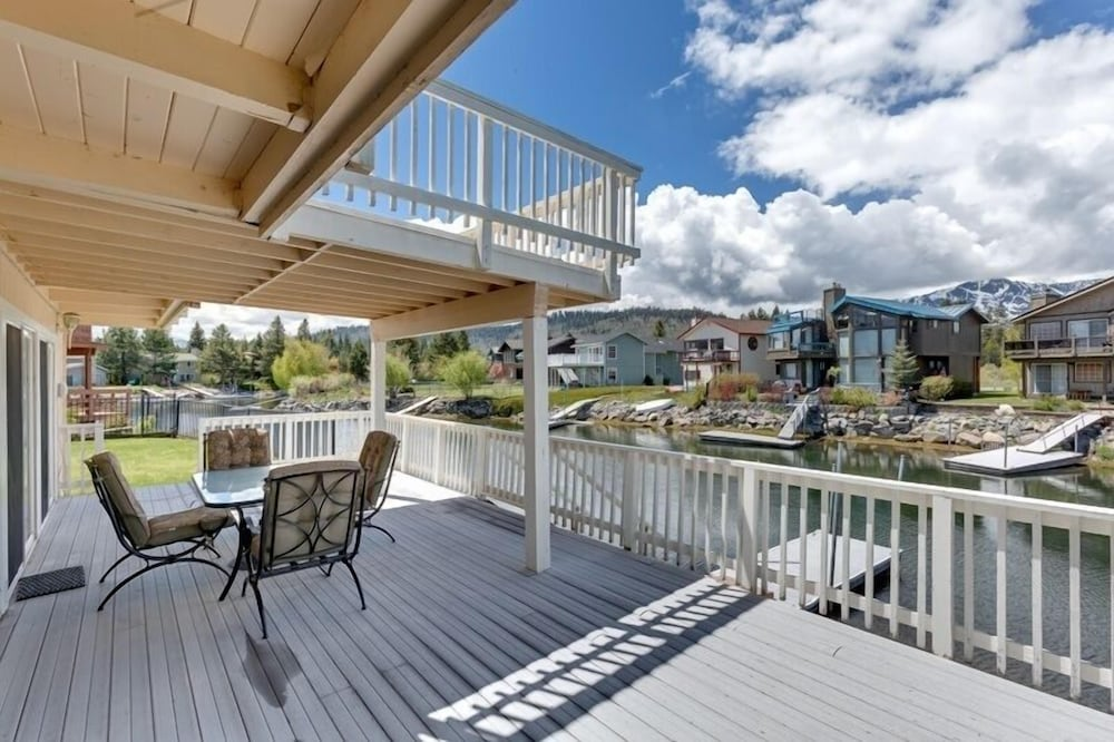 1872 South Lake Tahoe (TK1872) - 4 Br Home
