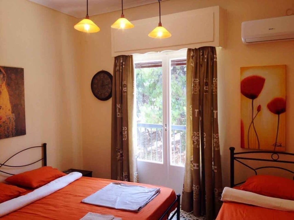 Cozy apartment near Acropolis
