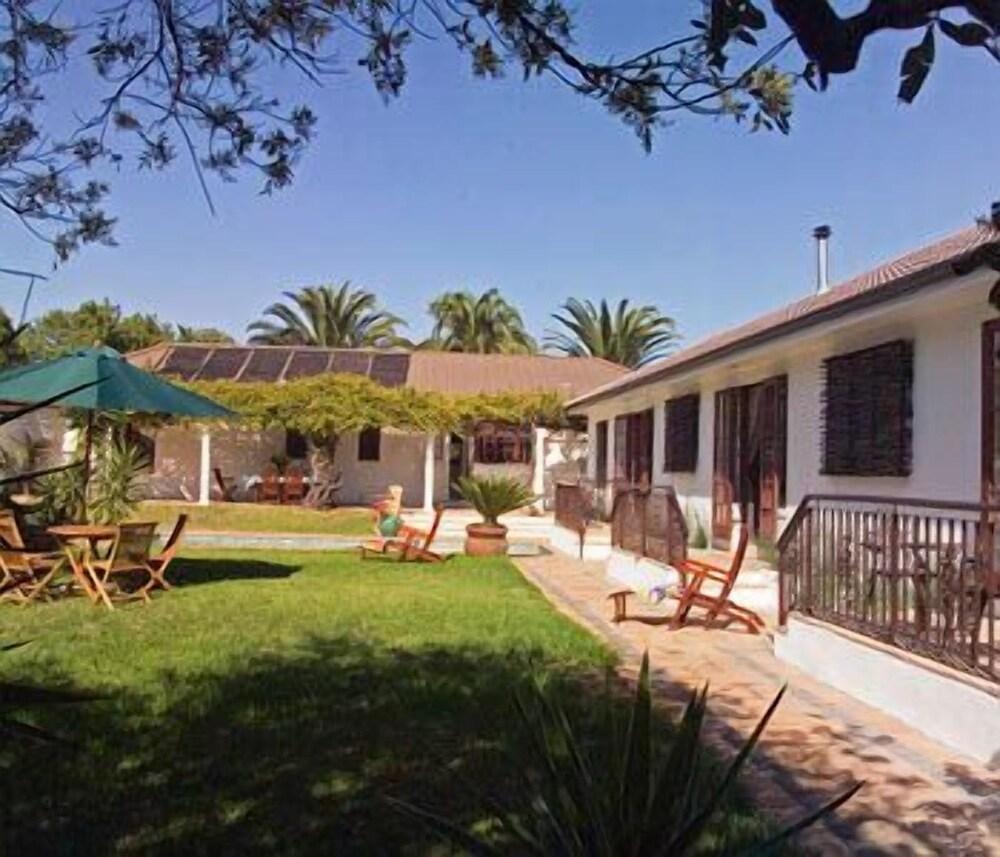 Three Palms Luxury Cottage