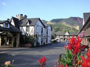 Silver Spruce Inn in Glenwood Springs, Colorado