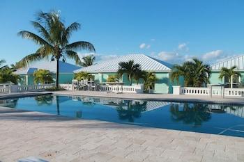 Mermaid Reef Villa #2 by Living Easy Abaco