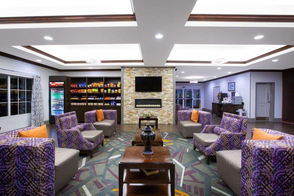 La Quinta Inn & Suites by Wyndham Tupelo