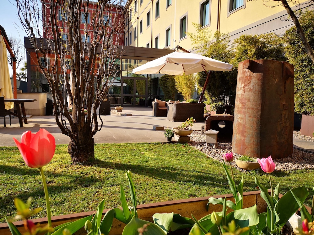 Best Western Falck Village Hotel