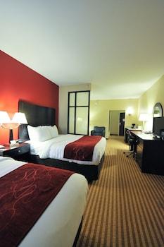 布羅德東 270 號凱富套房飯店
